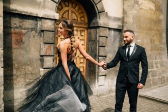 black wedding gown wedding styled shoot | fabmood.com