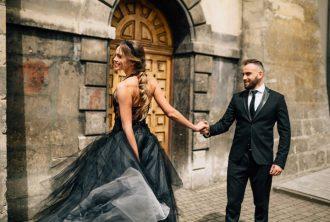 black wedding gown wedding styled shoot | fabmood.com