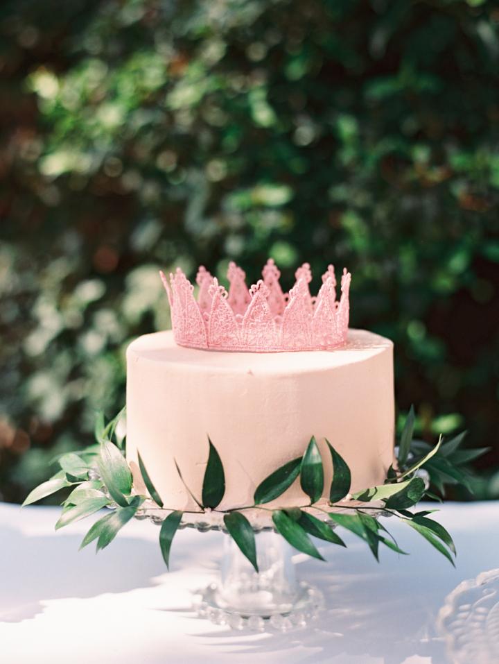 pink lace crown on pink wedding cake | fabmood.com #bridalshower #pinkcake #crownoncake #pink