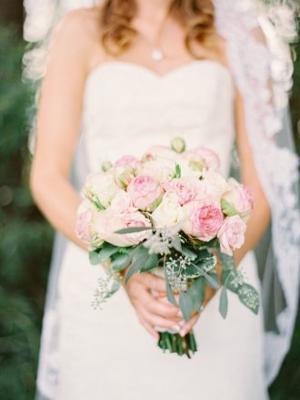 Blush toned for rustic country meets elegance farm wedding | blush bouquet #bouquet #weddingbouquet