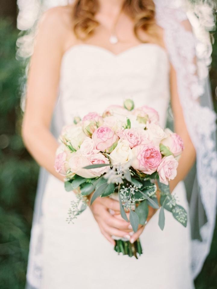 Blush toned for rustic country meets elegance farm wedding | blush bouquet #bouquet #weddingbouquet