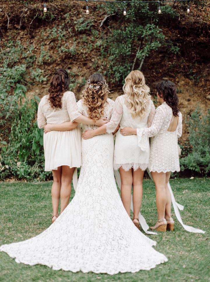 White bridesmaid dresses - Rustic bohemian wedding | fabmood.com #bohemianwedding #rusticbohowedding #rusticwedding #bohemianrustic #bohemianwedding