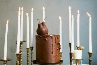 Chocolate wedding cake - Beautiful wedding cake inspiration | fabmood.com #weddingcake