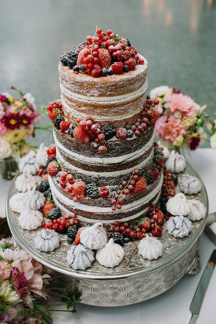 Rustic naked wedding cake with roses #weddingcake wedding cake ideas