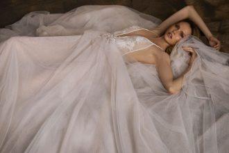 Nurit Hen Wedding Dress 2018 Collection 'Golden Touch' #weddingdress