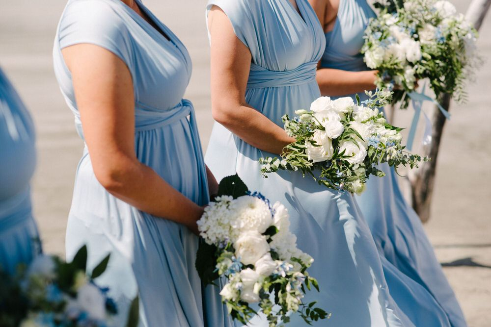 Simple Wedding Dresses Nz: Blue Color Wedding Theme For A Stunning Rustic Beach Wedding
