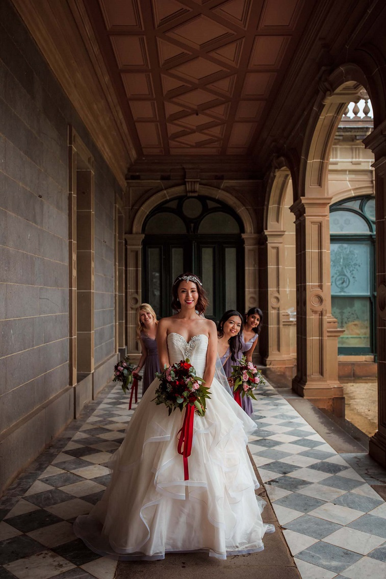 Old Hollywood wedding - red and mauve wedding color theme #wedding #vintagewedding #elegantwedding