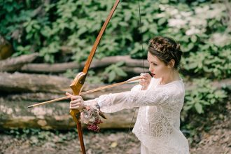 Wild Bride Wedding Styled Shoot inspired by Hunger Games #wedding #weddinginspiration #hungergames
