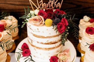 wedding cake with roses decoration,wedding cakes,wedding cake photos,wedding cake with flowers,beautiful floral wedding cakes