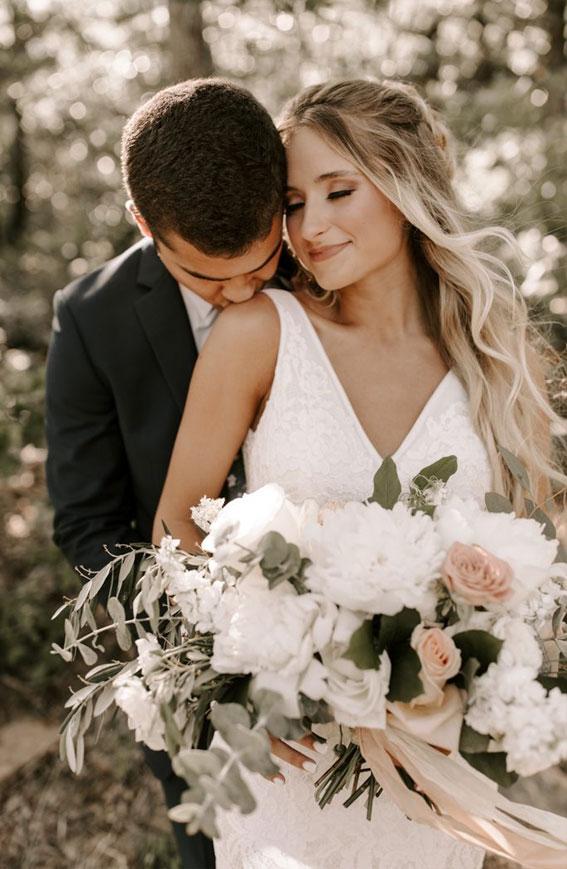 neutral wedding bouquet, bridal bouquet