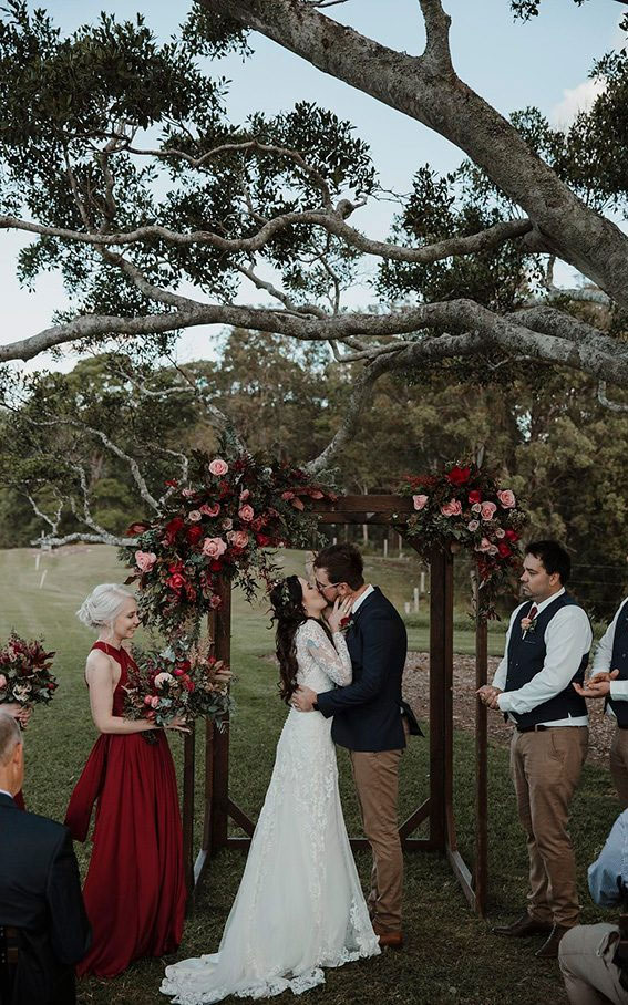 neutral and maroon wedding decor, neutral and red wedding decor