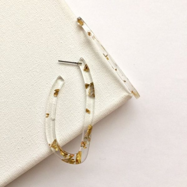 Gold foil gliding flakes oval hoop earrings,earrings,earring,hoop earring,transparent earrings,u-shaped earrings,transparent hoop earrings