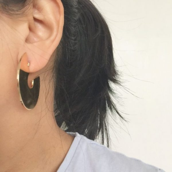 Minimalist Three quarter gold earrings. Hoop earrings, gold round earring