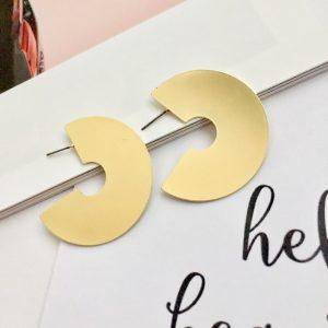 Minimalist Three quarter gold earrings. Hoop earrings, gold round earring