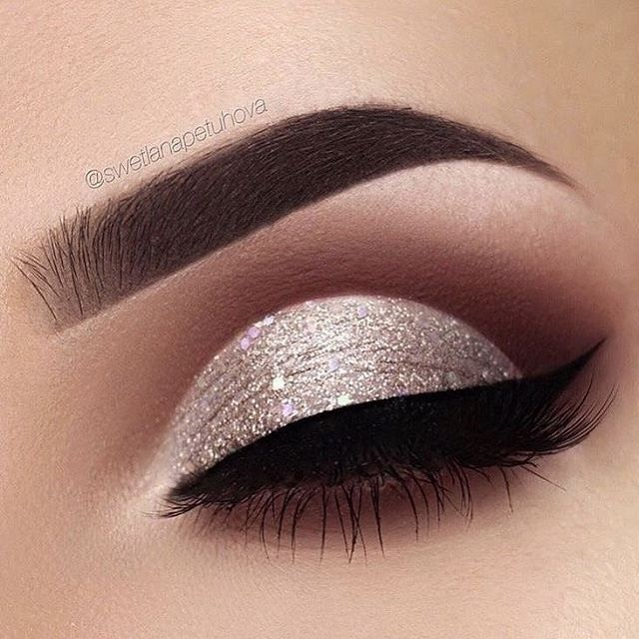 Soft glam eye makeup - sexy eye makeup ideas #eyemakeup #makeup #beauty