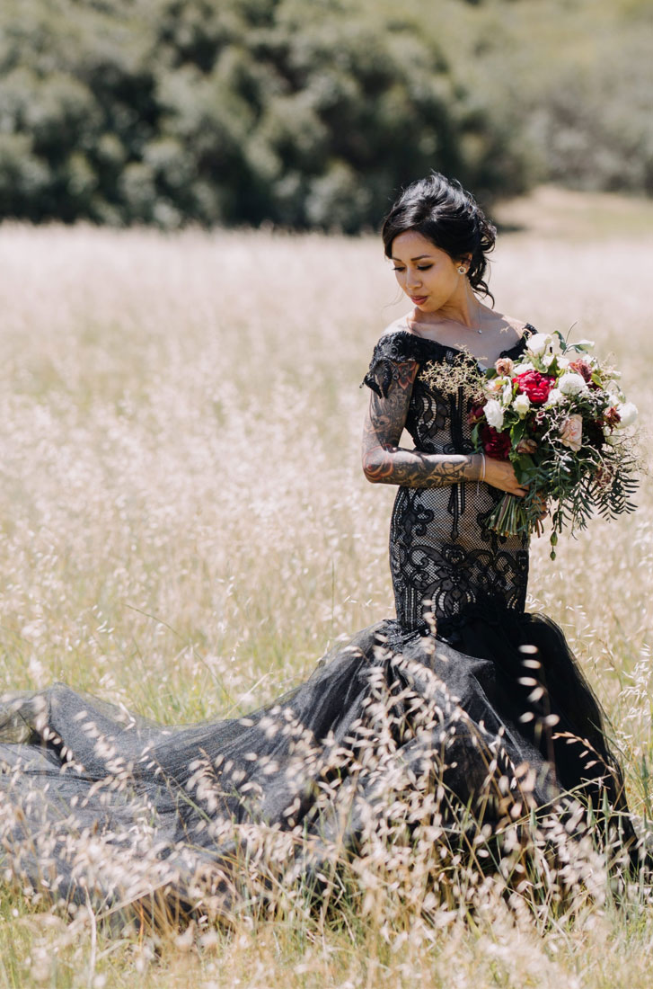 Beautiful Fall Wedding Bouquet And Black Lace Wedding Dress