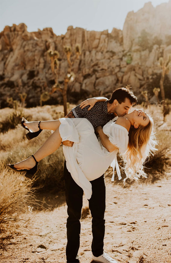 Cute Engagement Photo Shoot Ideas That'll To Melt Your Heart