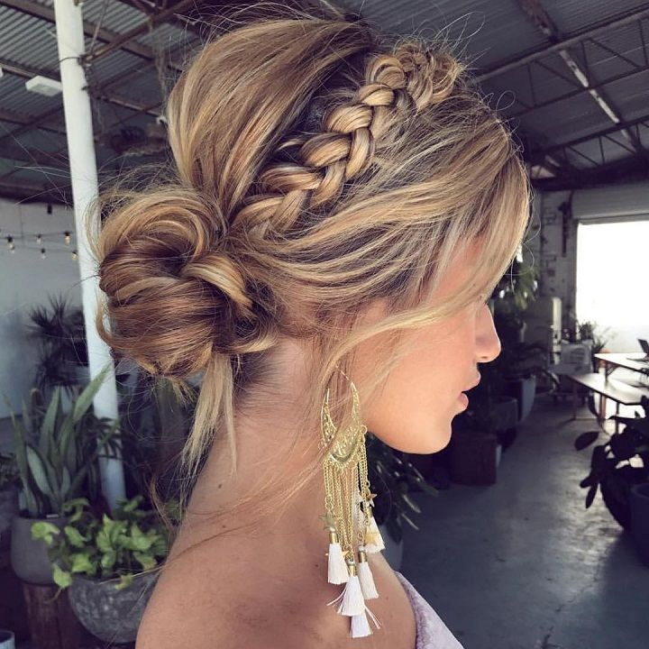 Pretty crown braid hair down inspiration | #braids #crownbraids #updo #hairdown #hairstyles #fishtailhair #weddinghair #dutchbraidhairideas