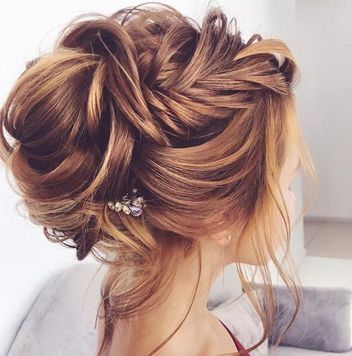 Side braided + messy updo hairstyle ideas, wedding hairstyle . bridal hairstyles ,prom hairstyles #weddinghair #hairstyleideas
