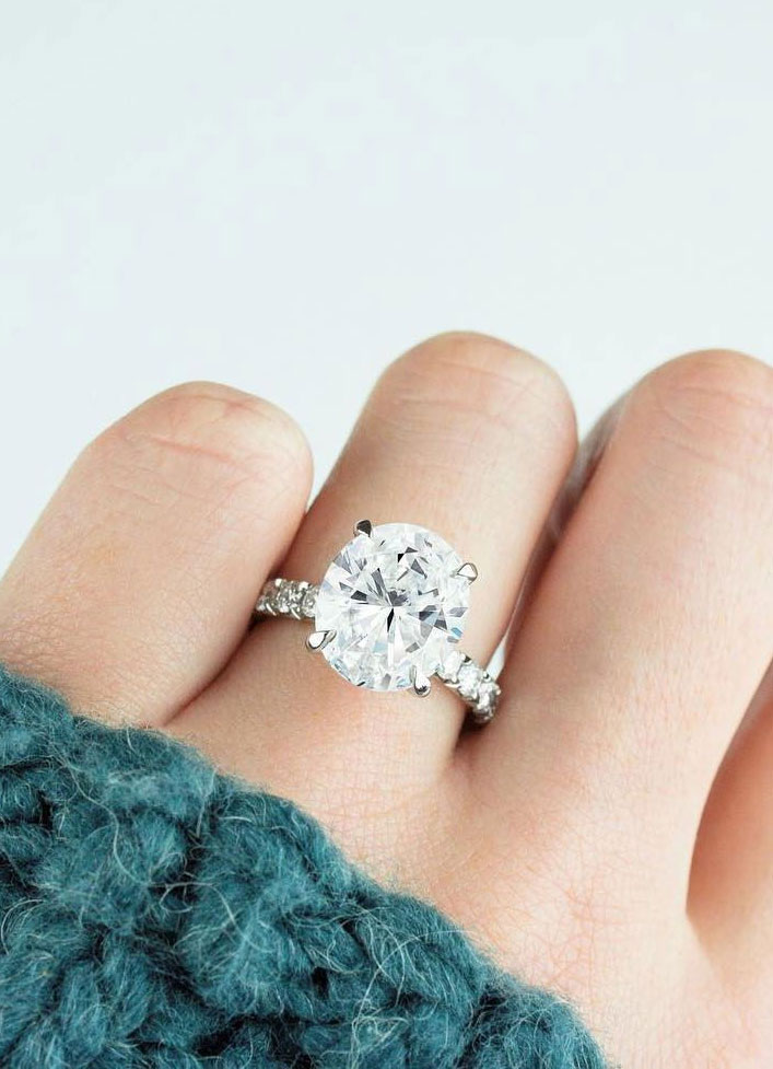 Oval engagement ring - 11 These stunning engagement rings that make occasion more meaningful #engagement #solitaire