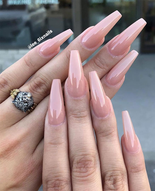 Gorgeous nail art design ideas,wedding nails with glitter,bridal nails,nail art for wedding,nail ideas for bride,wedding nails natural,wedding nails,wedding nails bridesmaids,wedding nails coffin,wedding nails acrylic,wedding nails i do,wedding nails french #nail #nailart #weddingnails #bridenails