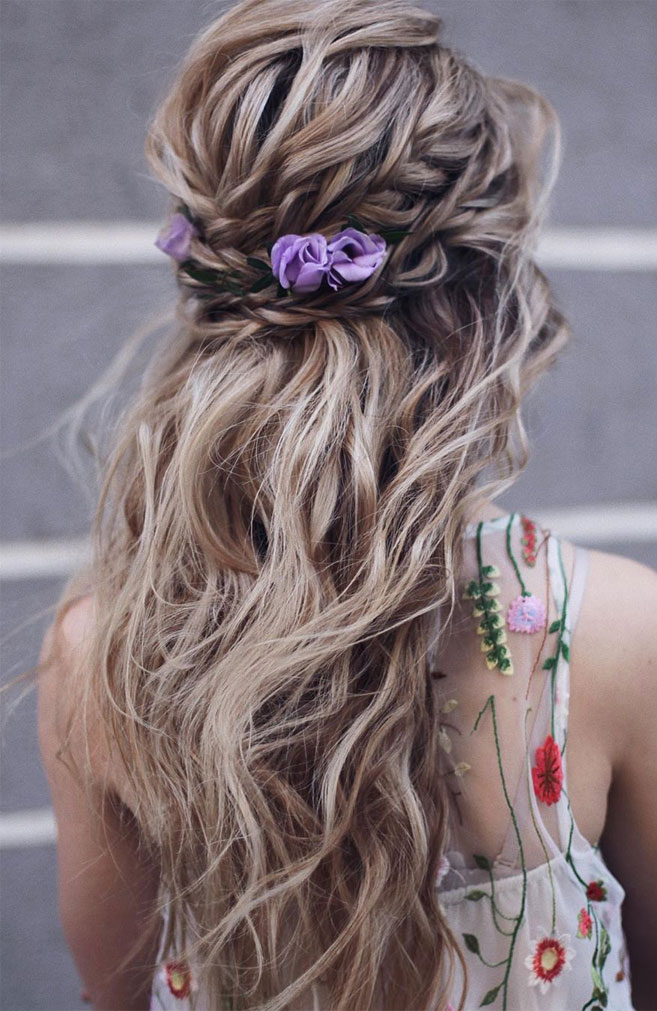 11 Gorgeous hairstyles for WAVY HAIR that perfect for any occasion