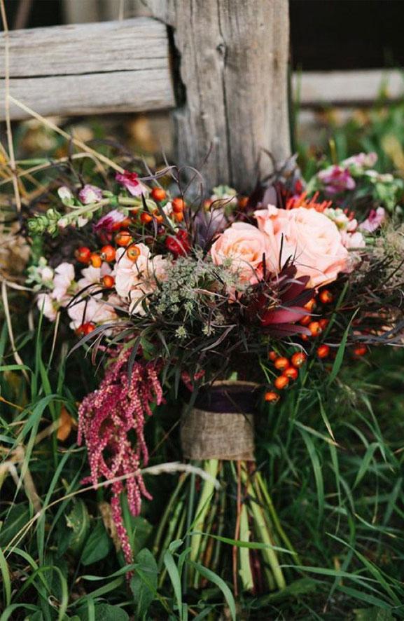 Fall wedding bouquets - Rustic autumn wedding bouquet ideas #bouquet #autumn #fallbouquets