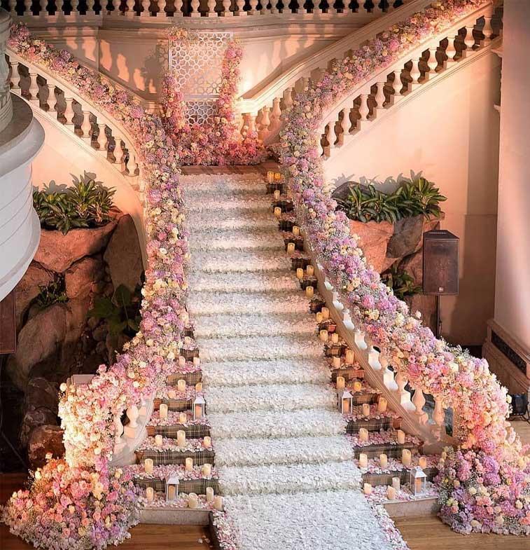 12 Fabulous Wedding Staircase Decoration Ideas How To