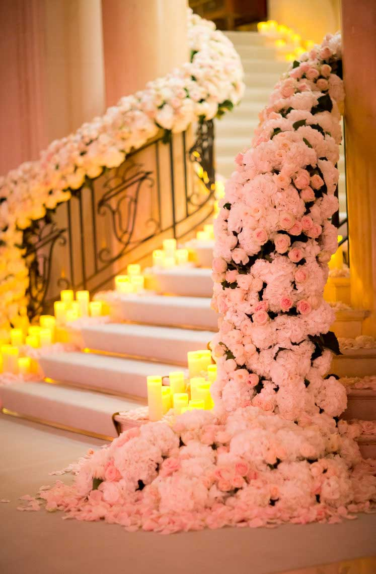12 Ways how to decorate a staircase with flowers ,staircase draping #weddingdecor #weddingstaircase #weddingdecorations #romanticwedding