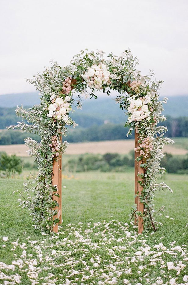 27 Beautiful Floral Wedding Arches To Swoon Over