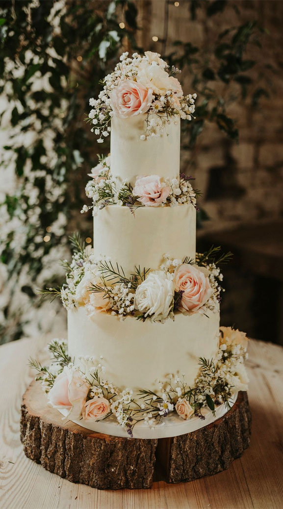 10 The prettiest floral wedding cakes for any season