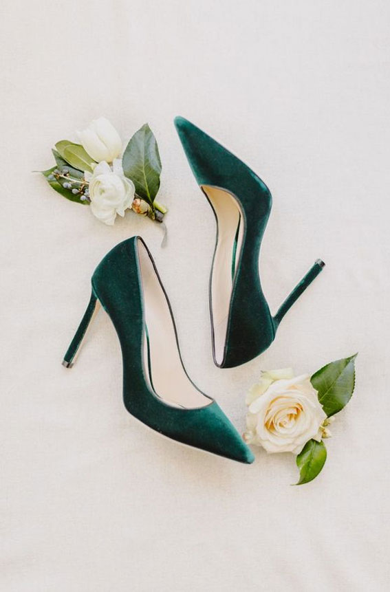 Green emerald wedding shoes - green heels #wedding