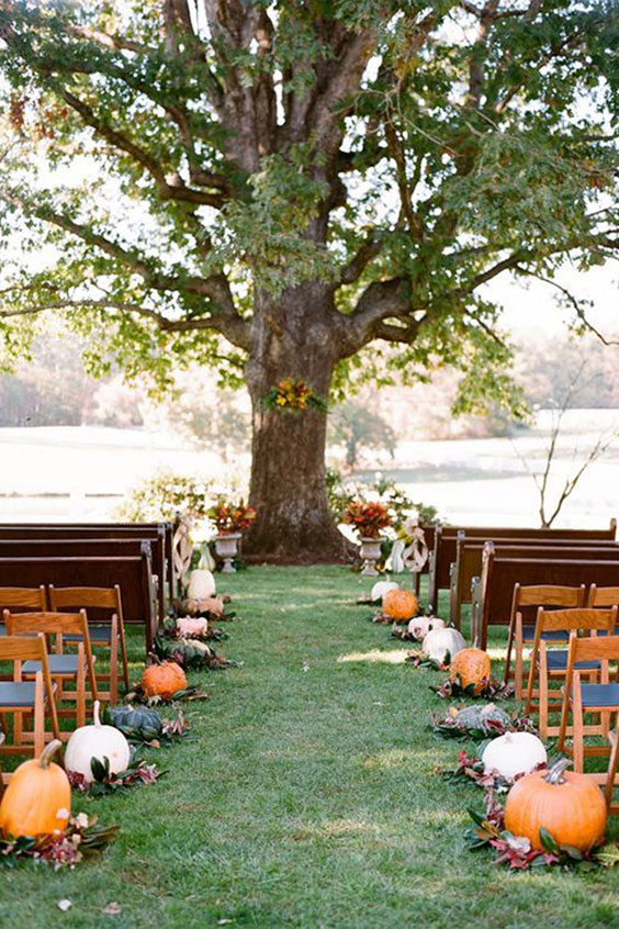 Amazing fall wedding decoration with pumpkins #weddingceremony #wedding outdoor wedding ceremony setting