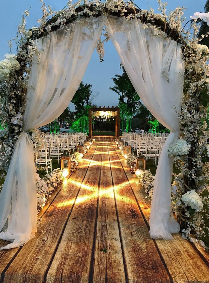 wedding entryway idea, wedding reception entrance decoration ideas, wedding pathway decorations, outdoor wedding walkways, wedding decorations,wedding entrance decoration images, wedding decoration ideas, simple wedding decoration ideas for reception