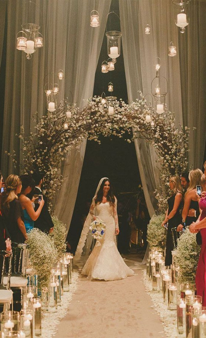 14 Beautiful Wedding Entryway Ideas For Ceremony Reception