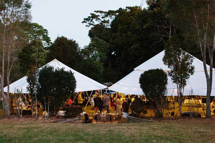 tent wedding venues, wedding tent, wedding marquee, tent weddings pictures, tipi wedding, tent wedding ideas, outdoor wedding, diy wedding, outdoor wedding tent decorations