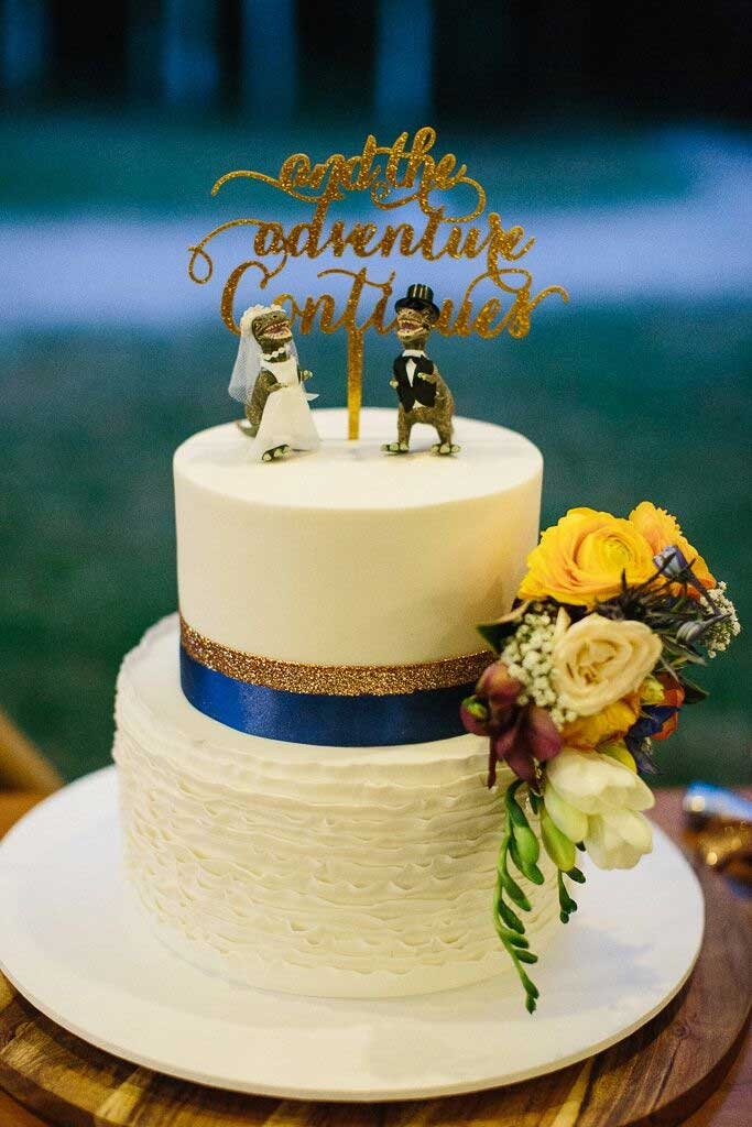 two tier wedding cake, fun wedding cake topper, simple wedding cake with blue and gold accents, wedding cake, wedding cake ideas , simple wedding cake