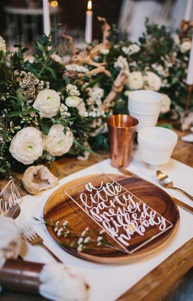 wedding table decorations, white and greenery wedding centerpieces #weddingtabledecors