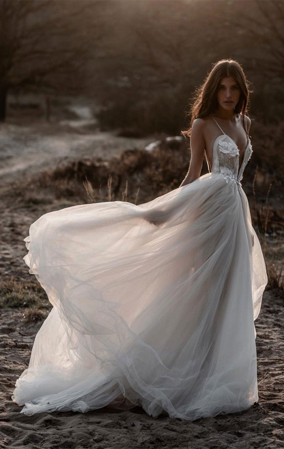 21 The Most Perfect Summer Wedding Dresses For Summer Brides