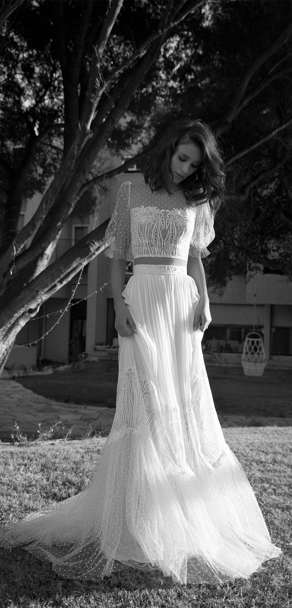 crop top wedding dress, two piece wedding dress, short sleeve wedding dress #weddingdress #weddinggown