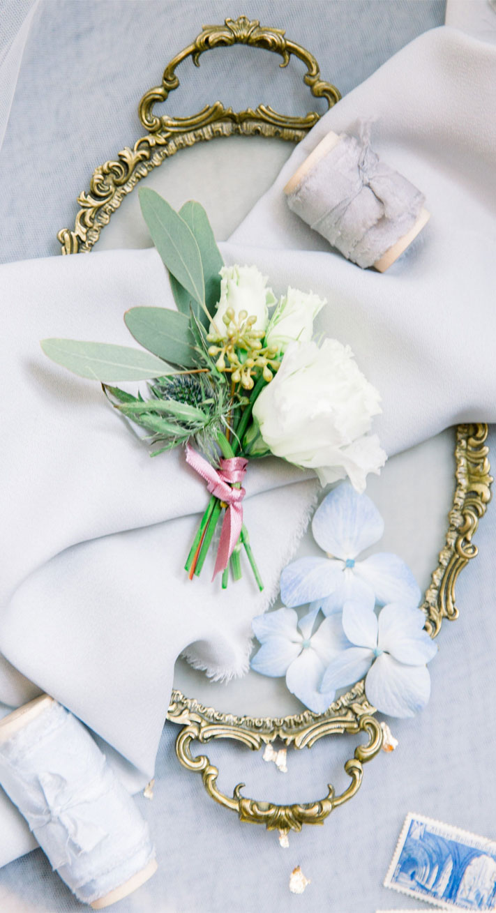 white flower boutonniere , white rose boutonniere #boutonnieres