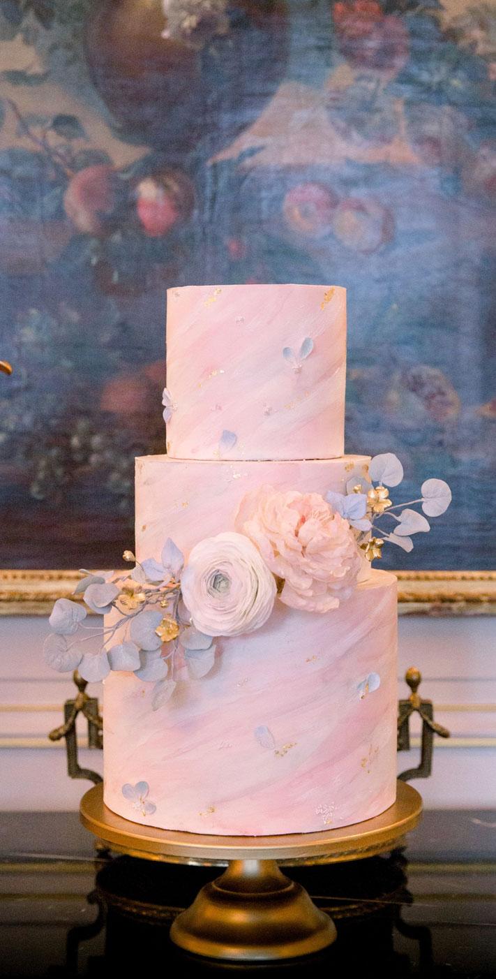 blush wedding cake, elegant wedding cake, luxury wedding cake, blush and powder blue, french styled wedding, wedding cake ideas, blush wedding cake ideas #weddingcake