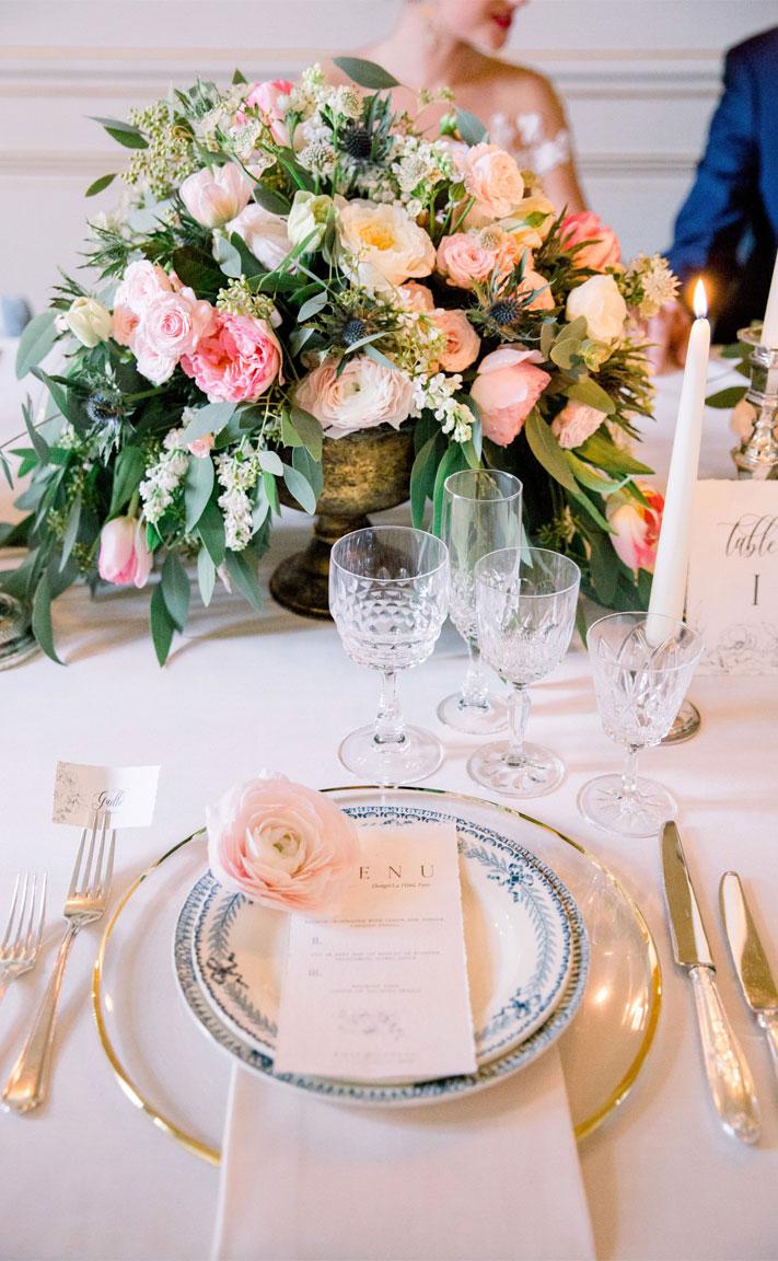 wedding centerpieces, wedding table decors , wedding place setting, wedding menu, place setting ideas