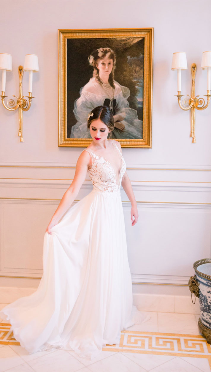bride, sleeveless wedding dress #weddingdress