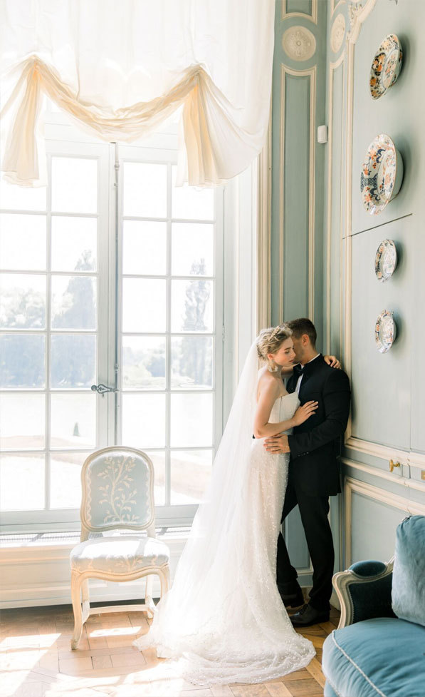 Dreamy French Chateau Wedding With Purple And Cream Color Palette