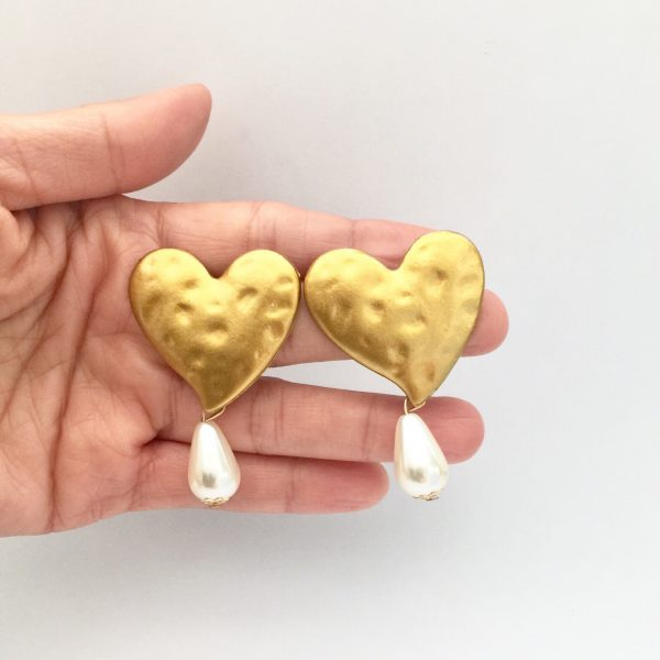 gold heart earrings, heart earrings