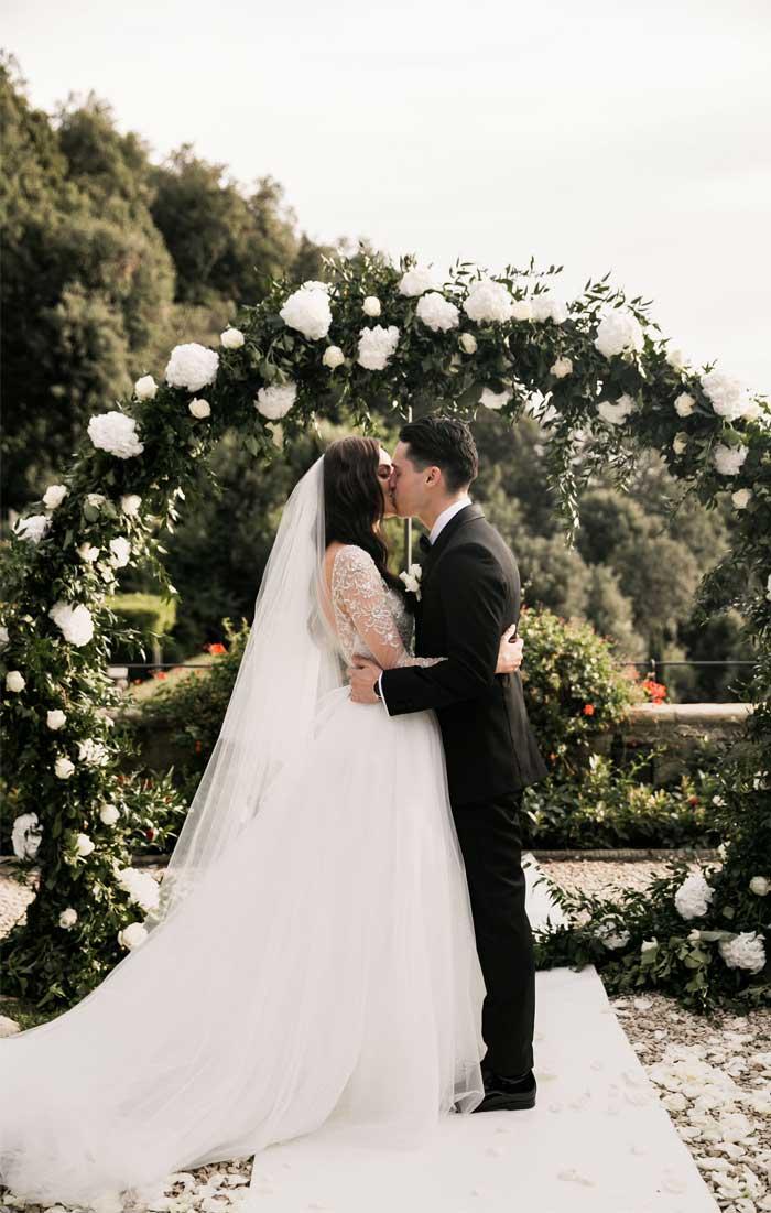 greenery wedding arch, wedding ceremony decorations