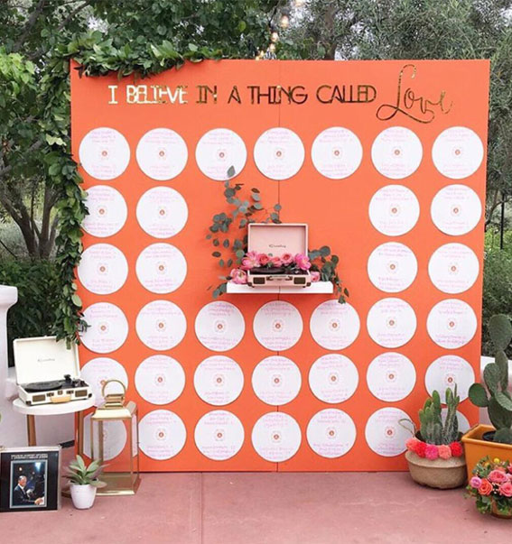 Best Escort Cards & Displays – Record Seating Charts