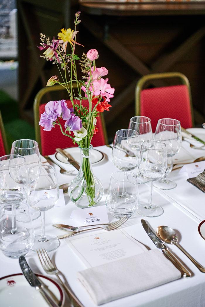 wedding table decoration, summer wedding table decors , london wedding , mayfair wedding , summer wedding , summer wedding in london, church wedding , july wedding
