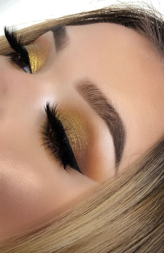 gold eyeshadow look, eye shadow look, eye makeup look, make up ideas , eye shadow makeup look